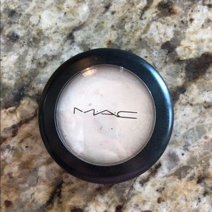 MAC Luna Frost Highlighter